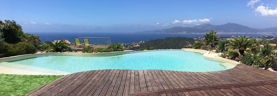 Piscine avec vue panoramique sur Golfe d'Ajaccio